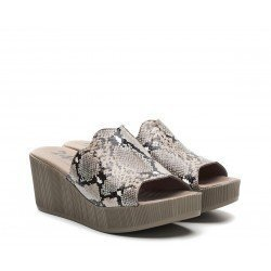Zuecos Mujer 24 Hrs  24915 Taupe Serpiente